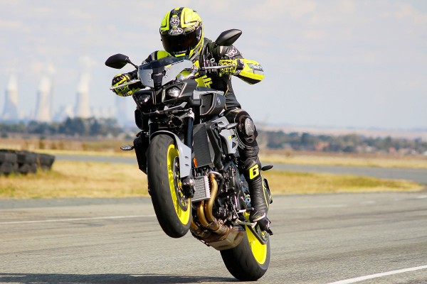 Review: 2016 Yamaha MT-10