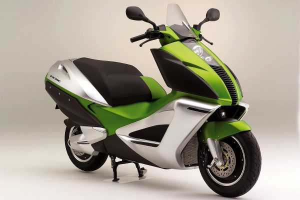 Fuel cell two-wheelers a step closer with GM and Honda collaboration